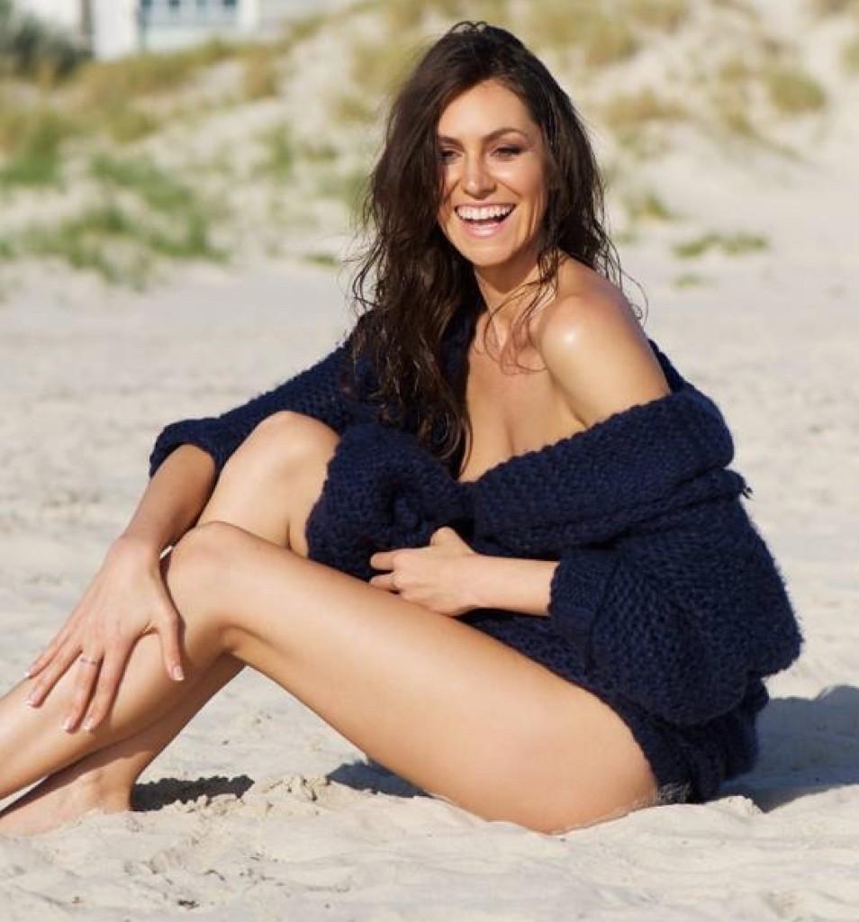 Elise Carr smile2